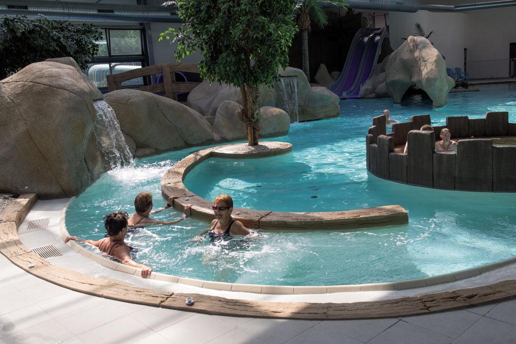... Piscine Couverte Camping Avec Parc Aquatique En Vendée ...
